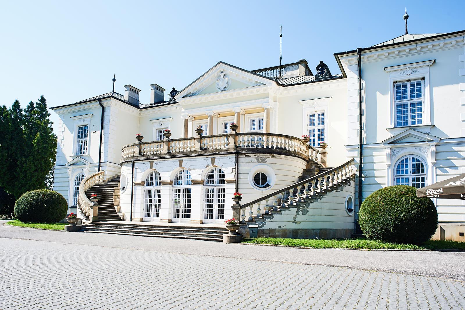 Front Pałacu Radziwiłłów w Balicach